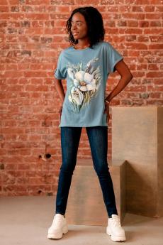 Голубая футболка с цветами ZAVI